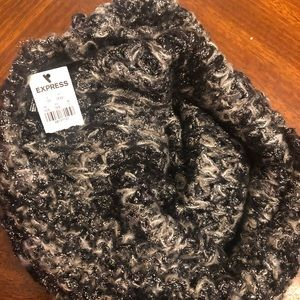 Express cowl scarf